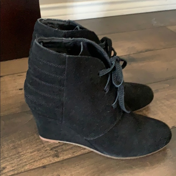 Dolce Vita Shoes - Dolce vita booties. Size 7.5